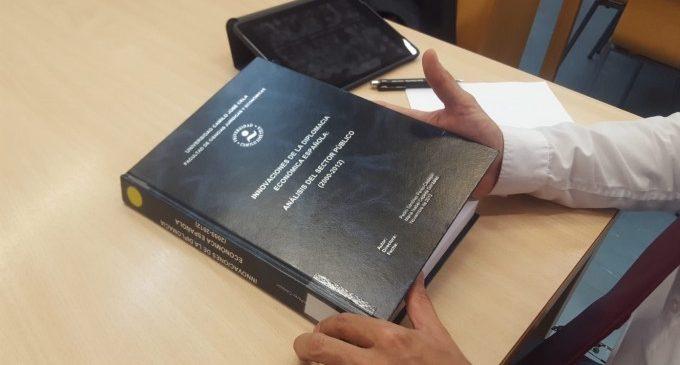 La tesi de Pedro Sánchez té 342 pàgines i 424 cites a una bibliografia amb més de 150 referències
