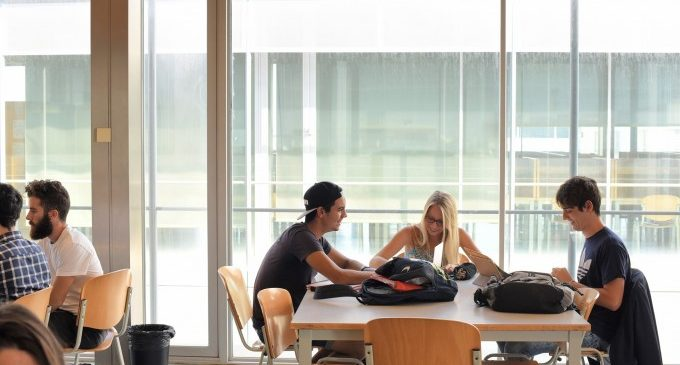 Les taxes universitàries al País Valencià baixen un 8% per a este nou curs