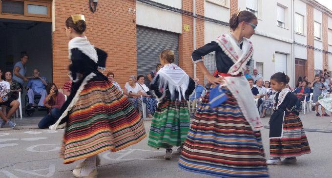 """Triomf de la música, el ball i les cançons valencianes de """"D'Arrel"""" en Montesa"""