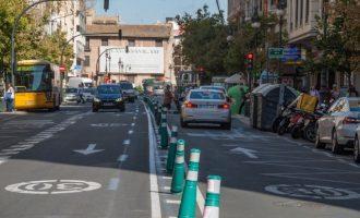 Los coches vuelven a circular por la avenida del Oeste y su entorno tras las obras del parking de Brujas