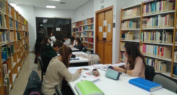 Picassent celebra el Dia de la Biblioteca amb l'obsequi de novel·les i llibres juvenils