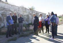 L'Ajuntament dóna suport als familiars de les víctimes afusellades a Llíria durant la postguerra