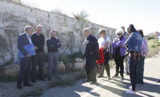 El Ayuntamiento apoya a los familiares de las víctimas fusiladas en Llíria durante la posguerra