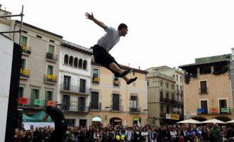 """L'Eixereta alberga """"Collage"""", un espectacle de circ matinal per a tots els públics"""
