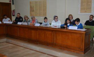 Els escolars de Benetússer celebren el dia internacional dels Drets de la Infància amb un ple municipal infantil