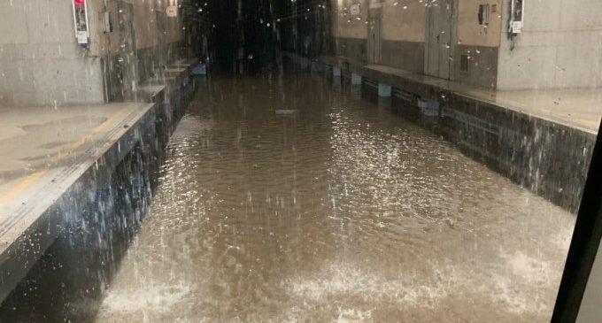 Las estaciones de Metro de Valencia inundadas por la tromba de agua