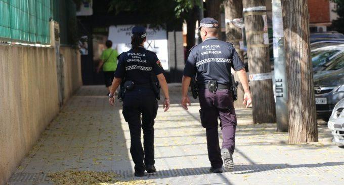 Detinguda una parella per agredir-se mútuament en presència del fill menor d'ella