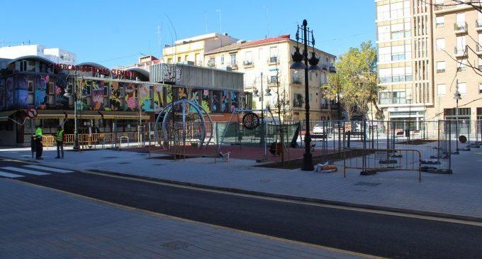 Las plazas de los barrios de València mejoran su imagen