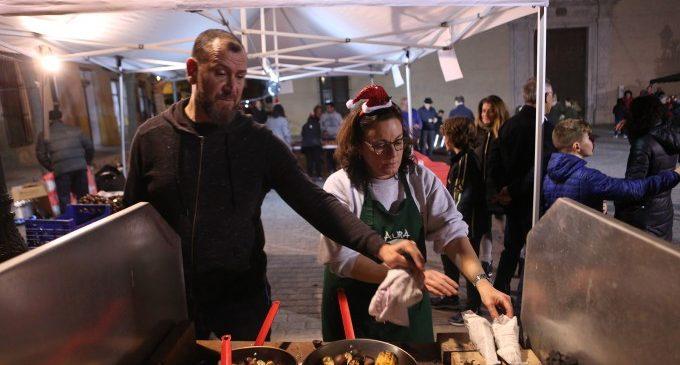 Els comerciants de Godella celebren la Festa de Nadal amb el tortell de Reis