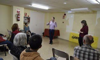 El president de Greenpeace Espanya explica els perills del carbó a Burjassot