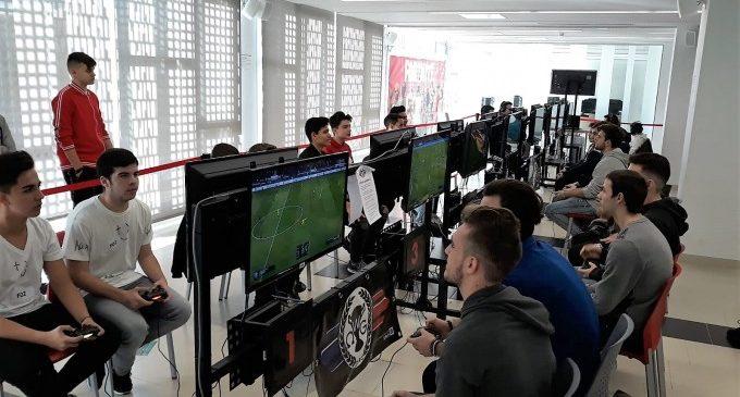 Mislata reuneix més de 500 joves en la seua primera Gaming Experience