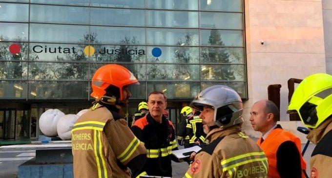 Un total de 580 persones participa en un simulacre d'incendi a la Ciutat de la Justícia