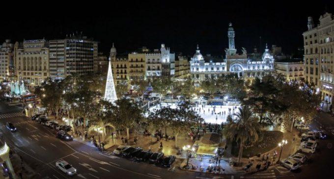 L'enllumenat nadalenc a la Plaça de l'Ajuntament de València, nou atractiu per a la ciutadania