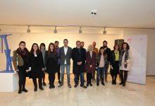 La Biennal de Mislata Miquel Navarro congrega a centenars de visitants i artistes en la seua inauguració