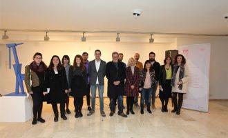La Biennal de Mislata Miquel Navarro congrega a centenares de visitantes y artistas en su inauguración