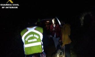 Rescatats tres joves i un gos que s'havien desorientat en la Serra Vernissa