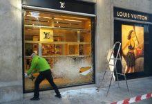 Robatori en la tenda de Louis Vuitton de València amb tiroteig