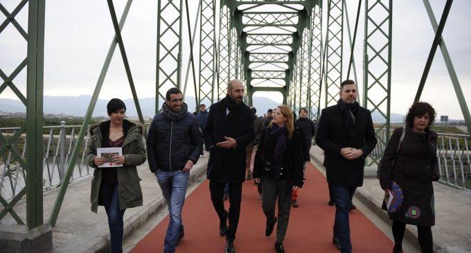 Fortaleny posa en servei el seu 'nou' pont de ferro rehabilitat íntegrament per la Diputació