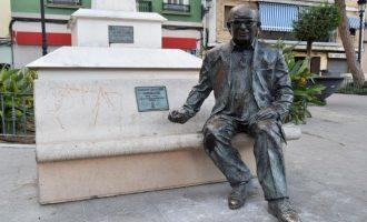 Identificats quatre menors per tirar l'estàtua d'Estellés a Burjassot