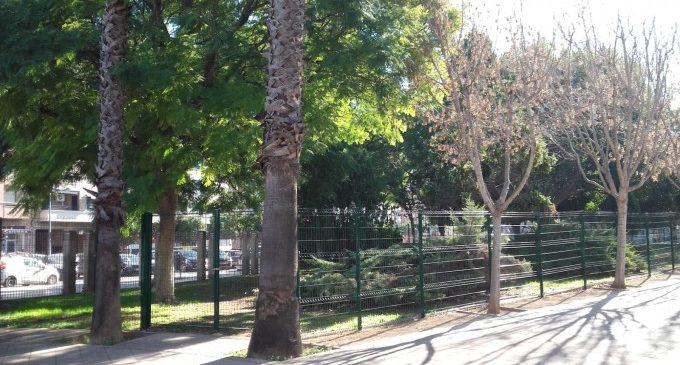 Comença l'habilitació d'una nova zona de socialització per a gossos al Parc de l'Oest