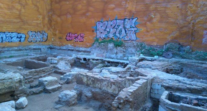 Troben part de la necròpoli islàmica amb restes de 13 cossos en les obres d'un edifici del centre de València