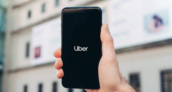 Uber adapta el seu servei per a complir amb els requeriments del decret valencià que regula els VTC