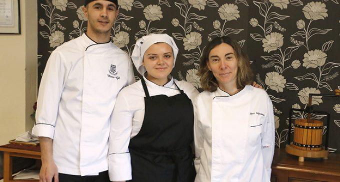 Dos alumnes de Virgen al Pie de la Cruz de Puçol entren en el concurs de cuina Le Cordon Bleu