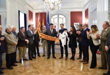 Les Corts reben a mítics jugadors del València CF amb motiu del centenari del club