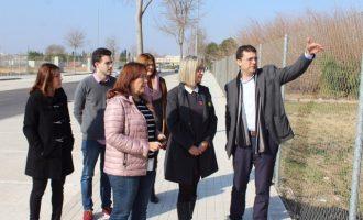 La secretària autonòmica de Serveis Socials visita els terrenys de la futura residència municipal d'Alfafar