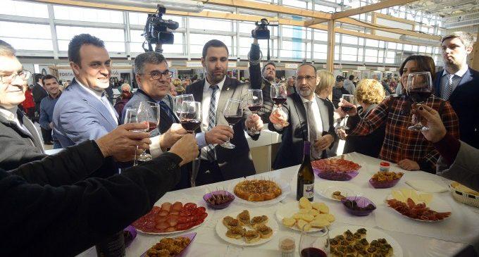 Requena inaugura la mostra de l'embotit, la seua festa més gastronòmica