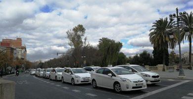 Els taxistes autònoms frenen les seues demandes però amb voluntat de reprendre-les