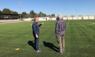 El Ayuntamiento de Massamagrell finaliza la colocación del césped en el campo de fútbol municipal