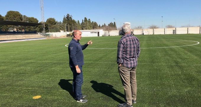 L'Ajuntament de Massamagrell finalitza la col·locació de la gespa en el camp de futbol municipal