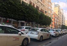 """El taxi valenciano protesta este jueves contra la """"falta de iniciativa absoluta"""" de Puig en la regulación de las VTC"""