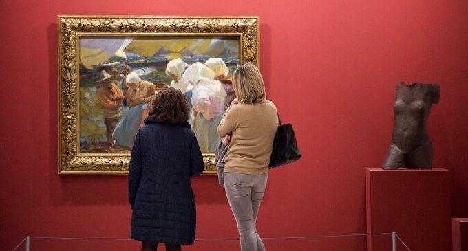 Més de 700 persones visiten l'exposició 'Tresors de la Diputació' en el seu primer cap de setmana