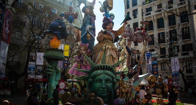 La Falla Almirant Cadarso-Comte Altea: el monument que any rere any es reinventa