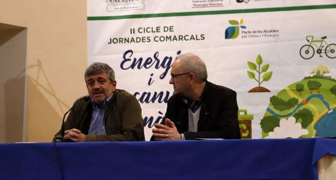La mobilitat elèctrica i l'eficiència energètica protagonitzen la sessió mediambiental de la Diputació a Carcaixent