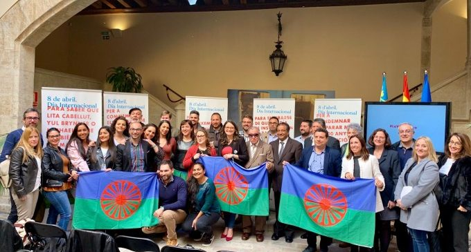 Es presenta el programa d'activitats per al Dia Internacional del Poble Gitano