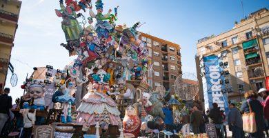 """Más subvenciones para las Fallas y más """"dignificación"""" para el artista fallero"""