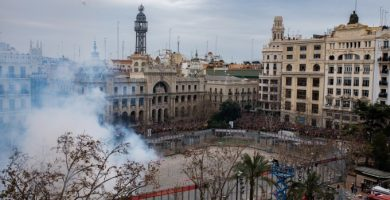 La 'mascletà taronja' tirarà 300 quilos de pólvora per a retre homenatge al Valencia CF aquest dilluns