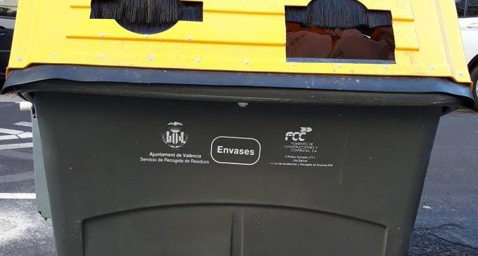 València es converteix en la primera ciutat d'Espanya que reciclarà productes d'alumini i acer lleuger en el contenidor groc