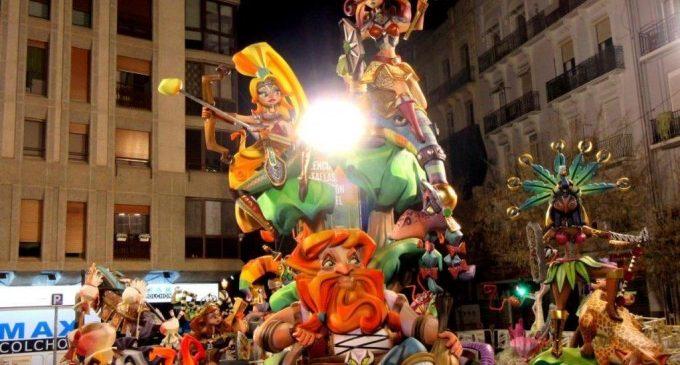 La Falla Regne de València – Duc de Calàbria continua 'Plantant Batalla'