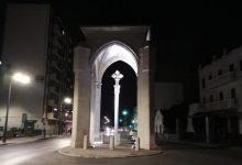La Creu Coberta se suma als altres 58 monuments d'interés patrimonial que s'il·luminen a la nit