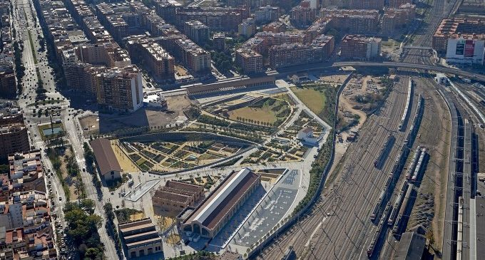 Ribó signa el conveni per a executar el canal d'accés i el túnel passant en el projecte Parc Central