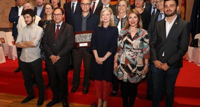 """Les Corts celebren el 25 d'Abril amb la mirada posada en un futur de """"bon parlamentarisme, consens i autogovern"""""""
