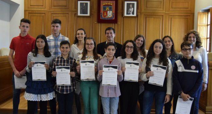 Burjassot reconeix l'excel·lència dels seus escolars de primària i secundària del curs 2017/2018