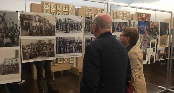 Vera Cruz i Santa Faz recorren en una exposició els seus 75 anys d'història