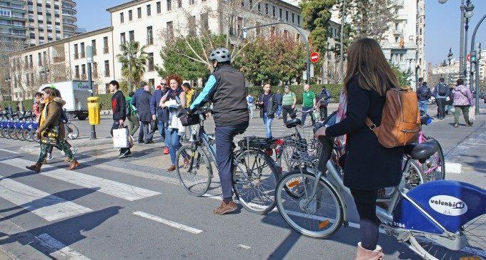 ¿Por qué Valencia necesita campañas ambiciosas y efectivas campañas de formación e información a ciclistas?