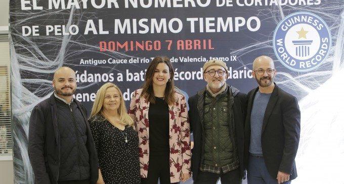 València aspira a batre el rècord Guinness de talladors de pèl per a visibilitzar el dany cerebral