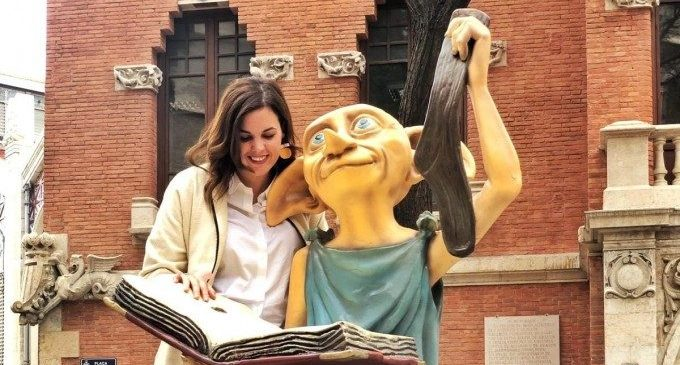 Gómez (PSPV) promete que cada bebé que nazca en València recibirá un cheque-libro